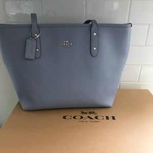 Baby blue COACH tote